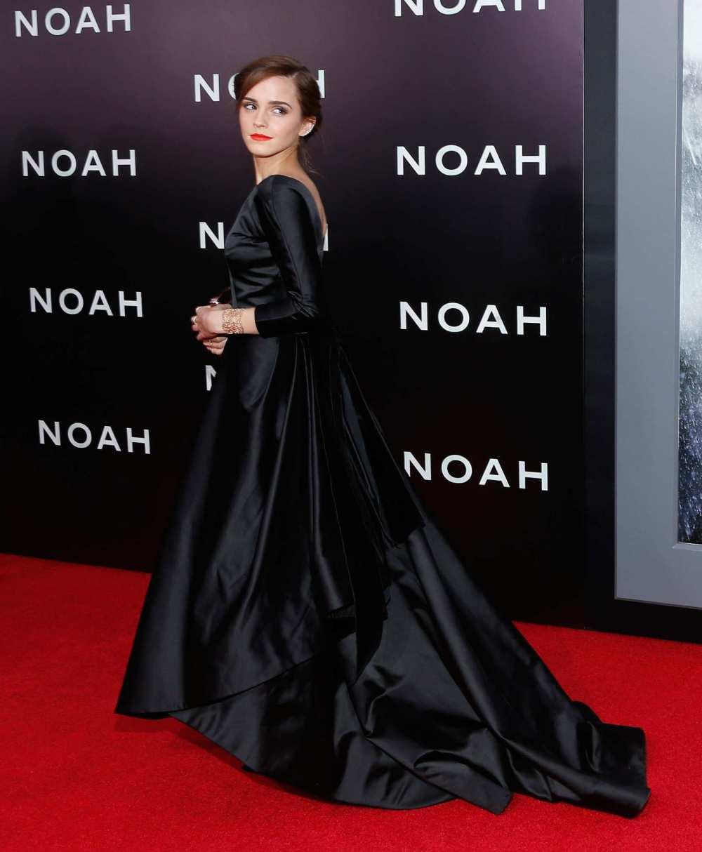 Emma Watson Wearing  Oscar de la Renta