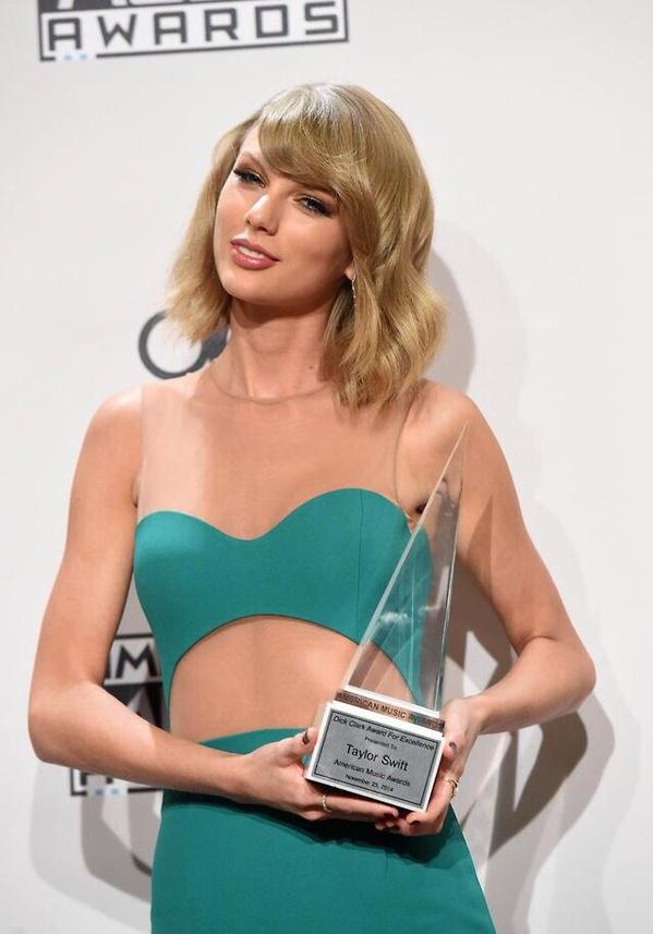 Taylor Swift at the AMA's
